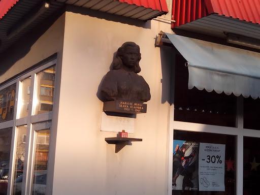 Spomenik Slavi Klavori