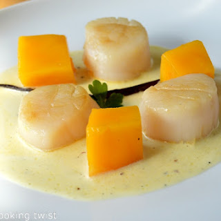 Seared Sea Scallops with Vanilla Sauce and Fresh Mango