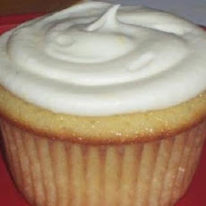 Lemon Cupcakes with Lemon Cream
