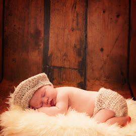 Logan by Zoe Preston Rayne - Babies & Children Babies ( newborn photography, newborn shoot, baby, baby boy, newborn )