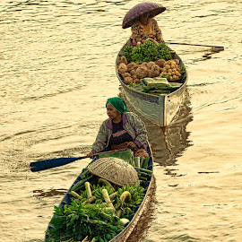 flotting market by Joeli Oie - Transportation Other