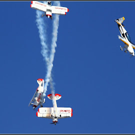 Near miss by Romano Volker - Transportation Airplanes