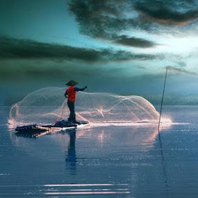 Catching fish by Ymmot Davinci - People Professional People