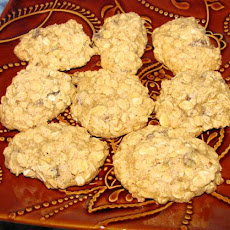 Very Low Fat, Delicious Oatmeal Raisin Cookies