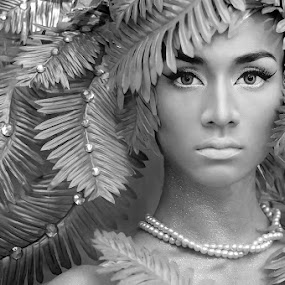 Jungle Queen by Amin Basyir Supatra - People Portraits of Women ( face, bali, fashion, girl, black and white, beautiful, beauty, portrait, eyes )