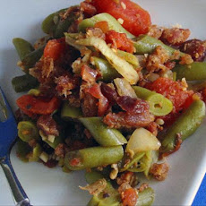 Green Beans With Tomato, Onion and Bacon