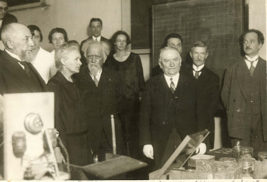 Visit of the Radium Institute by the french President G. Doumergue, 1928