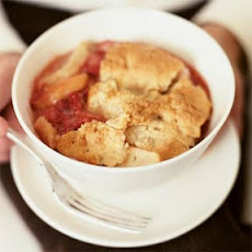 Strawberry-Apple Macaroon Crumble