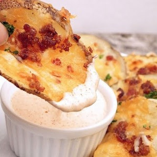 Cheesy Bacon Oven Chips & Chipotle Ranch Sauce
