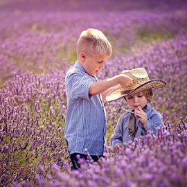Don't forget your hat by Chinchilla  Photography - Babies & Children Children Candids