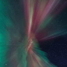 Aurora corona by Benny Høynes - Landscapes Starscapes ( corona, auroras, northernlights, colours, norway )