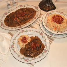 Mushroom-smothered Swiss Steak