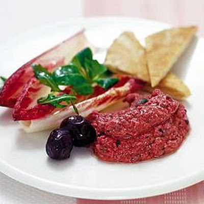 Beetroot Houmous With Crisp Pittas