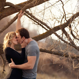 Oregon Love by Mary Wallis - People Couples ( kiss, natural light, embrace, blond woman, romance )