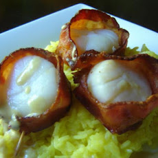 Bacon-Wrapped Scallops With Cream Sauce