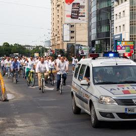 Gândeşte în viitor frate Buzescule! by Constantinescu Adrian Radu - News & Events Politics