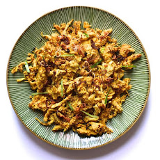 Ayam Jeruk (Grilled Chicken and Toasted Coconut Salad)