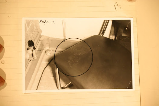 Photo of what is claimed to be Mabelane's footprint on the chair