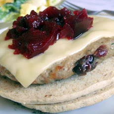Build Your Own Canadian Cranberry and Herb Turkey Burgers!