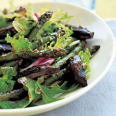 Grilled Mushroom-and-Asparagus Salad