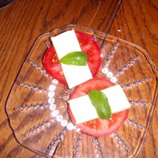 Heirloom Tomato, Mozzarella and Basil Side Dish