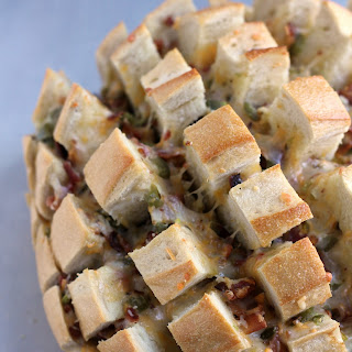 Cheesy Bacon Jalapeno Popper Pull-Apart Bread