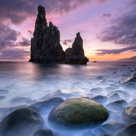 The Dragon´s Boulder by Duarte Sol - Landscapes Sunsets & Sunrises ( canon, madeira island, duarte sol, ribeira da janela, sea, rock, sunrise,  )