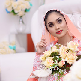 DyaTaufek by Monster De Art - Wedding Getting Ready ( fashion, colorful, monsterdeart, wedding, malaysia, smile, ceremony )