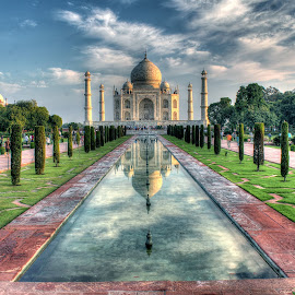 The Taj mahal by Santanu Banerjee - Buildings & Architecture Public & Historical ( history, the taj, taj mahal, agra, architecture, world wonder, mogul, delhi )