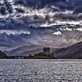 Eilean Donan by Howie George - Landscapes Travel ( scotland, hdr, castle )