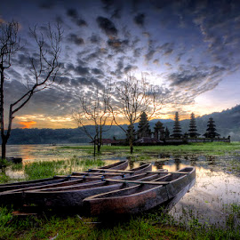 Tamblingan Lake by Made Suwita - Landscapes Travel ( bali, lake, sunrise, travel )