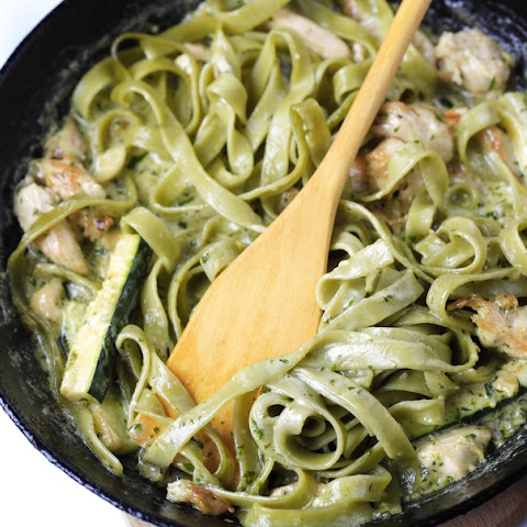 Creamy Zucchini Pesto Pasta with Chicken