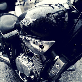 Motor by Mohamed Bouanga - Instagram & Mobile Other ( instagram, black and white, motor, motorcycle, htc )