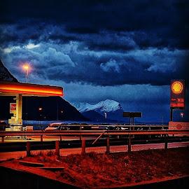 øreøholt#ørskog by Per Ove Haddal - Buildings & Architecture Other Exteriors ( sunnm, sj, stoppen, shell, rsa_sky, blue, orange. color )