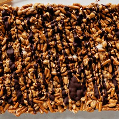 Chocolate Peanut-Butter Pretzel Bars