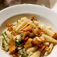 Pasta with Chanterelle Mushrooms