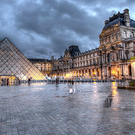 Louvre 12 by Ben Hodges - Buildings & Architecture Public & Historical ( paris ·     louvre ·     statue ·     old ·     hdr ·     pyramid ·     fountain ·     france ·     historical ·     public ·     rain · )