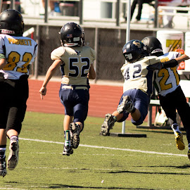 Flying by Scott Padgett - Sports & Fitness American and Canadian football (  )