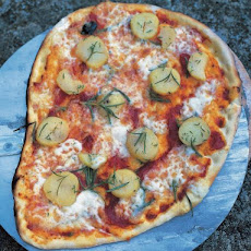 Potatoes, Mozzarella, Rosemary, Thyme & Tomato Pizza Topping