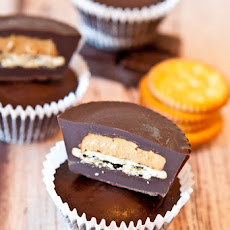 Ritz Cracker Stuffed Peanut Butter Cups (vegan, almost gluten free)