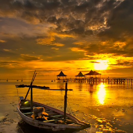 stay morning by Ahmad Sahroni - Transportation Boats