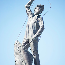 Fisherman's Monument by Robert Briggs - Buildings & Architecture Statues & Monuments ( fishersman terminal, seattle, fisherman's, ballard, monument )
