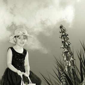 b w ylana by Shana Buckens - Babies & Children Child Portraits (  )