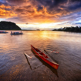 Fiery Sky of Hayanggabon by Len Jingco - Transportation Boats ( sunset, sea, surigao, boat, philippines )