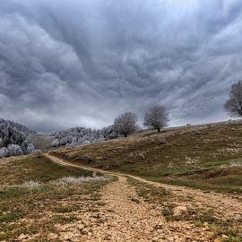 Sirnea, Fundata - Brasov 25.10.2014 by Mirela Savu - Landscapes Cloud Formations