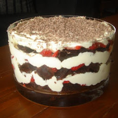 Strawberry-Chocolate Mascarpone Trifle