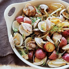 Pan-Roasted Clams with Potatoes and Fennel