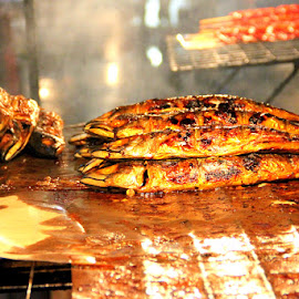 Barbecued fish by Leong Jeam Wong - Food & Drink Meats & Cheeses ( market, stall, fish, vendor, gadong, night, barbecue )