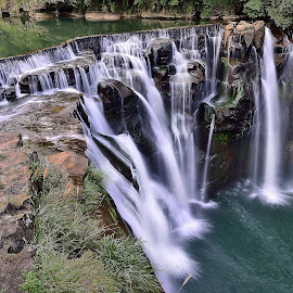 Shifen waterfall by Damon Chao - Landscapes Travel