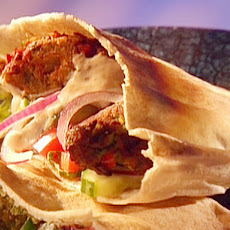 Falafel in Pita with Yogurt Sauce